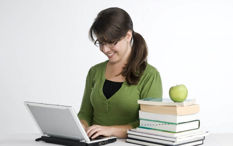 Things We Should Consider About Online Degrees