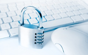 Is Your Personal Data Safe On The Web? 5 Reasons Why You Should Be Cautious