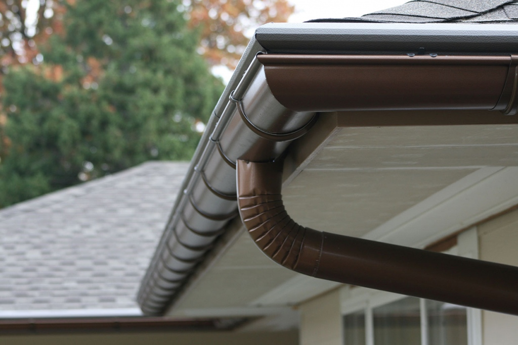 Do You Have A Seamless Gutter System? Here's Why You Should