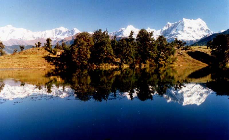 A Lakeside Tale: Exploring Uttarakhand's Sublime Lakes