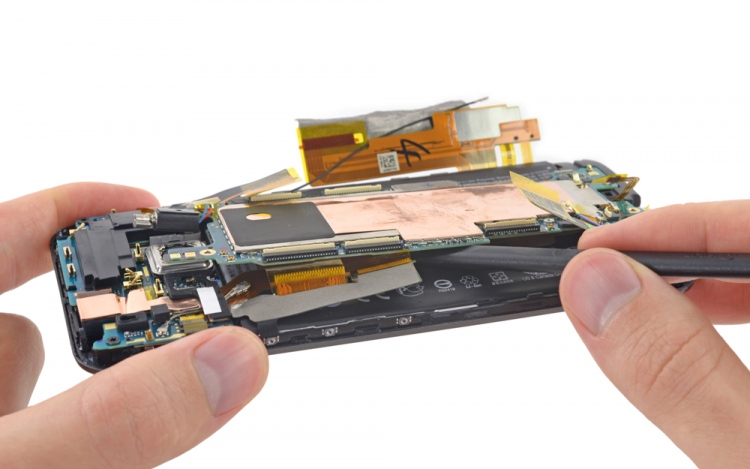 Do Not Repair Your Smart Phone On Your Own