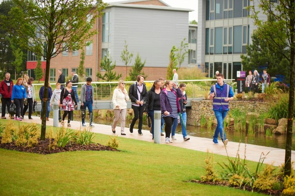 How Can Undergraduate Educational Tours Help Improve Academic Grades