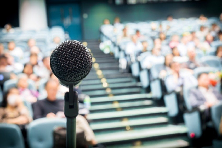 5 Things That A Motivational Speaker Can Do For Your School