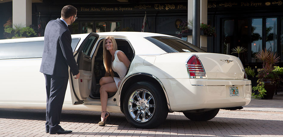 A Few Questions To Ask When Hiring A Limo Service