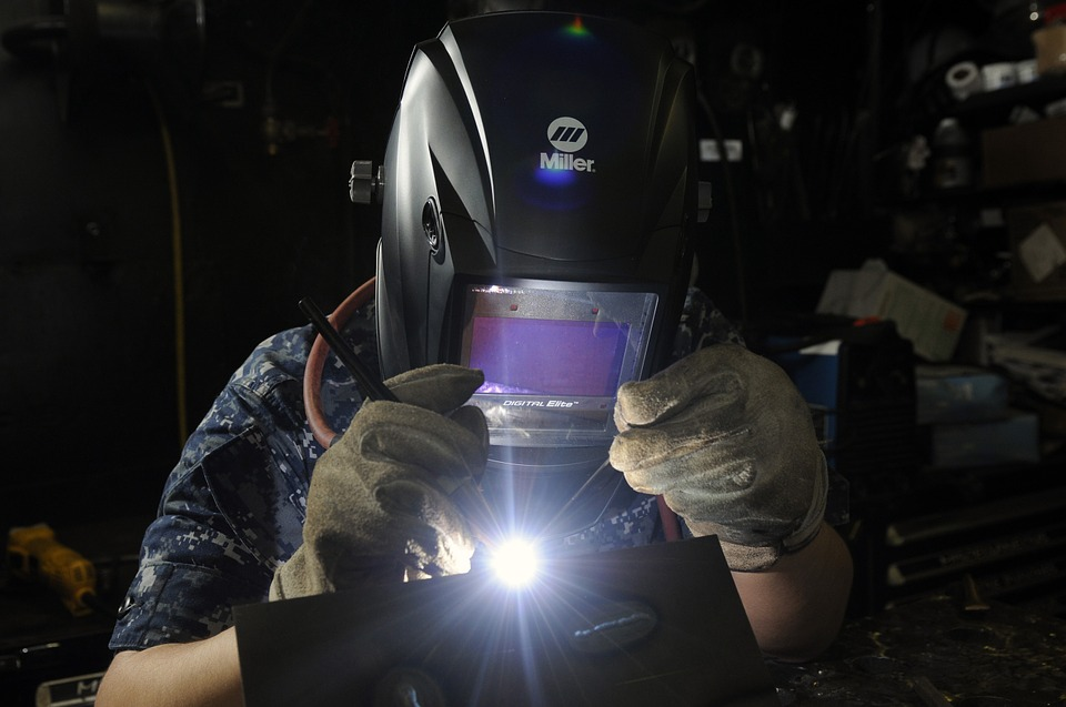 What Kind Of Certification or Qualifications Does A Welder Need?