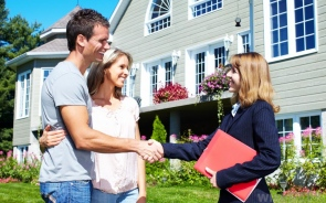 Pros and Cons Of Renting An Apartment vs. Renting A House