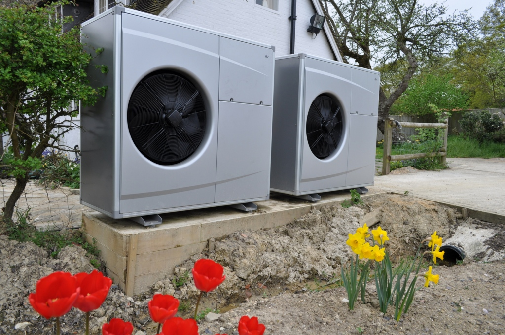 How An Air-Source Heat Pump Works