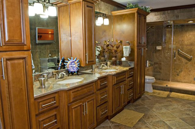 Modern Bathroom With Classic Vanities – A Fusion Style To Look Out For