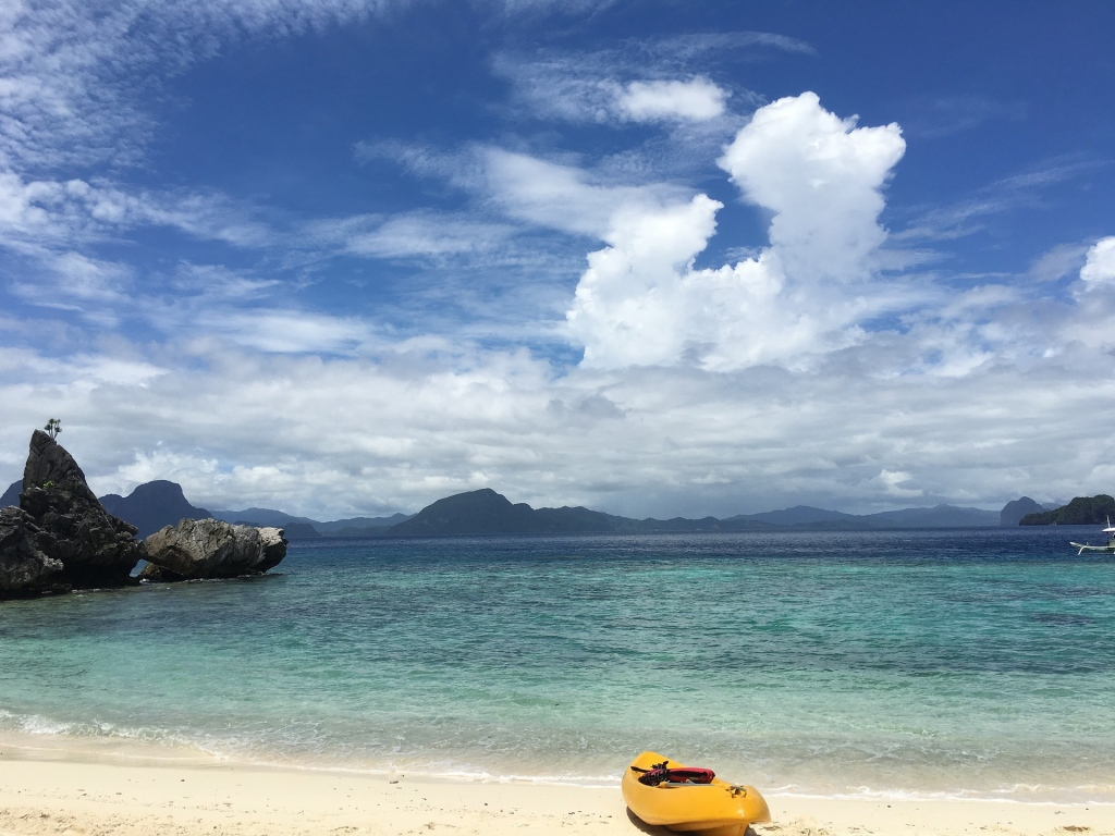 Travelling To Palawan With Your Family Can Be Easy and Cheap