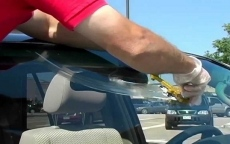 Can An Auto Glass Shop Repair Scratched Windshield Glass