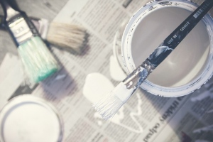paint-brushes-bucket-paint-can