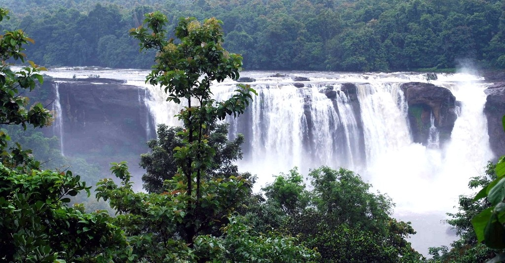 Best Waterfalls In Kerala To Relax, Splash, Chill, and Unwind