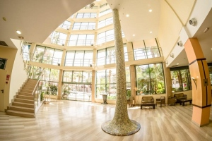 The Benefits Of A Roof Lantern To A Hotel Lobby