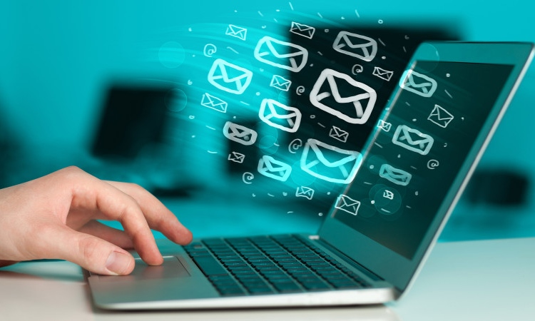 The Pros and Cons Of Email Marketing Services