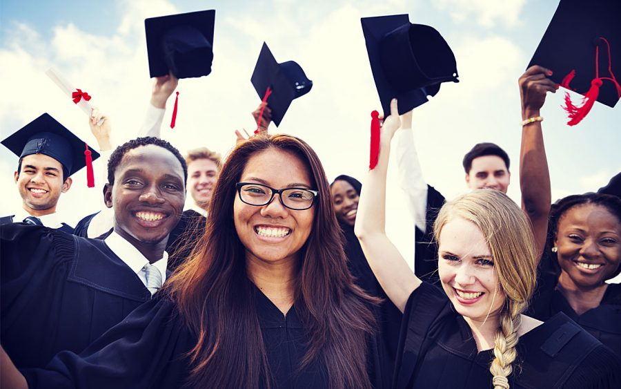 What-Future-Plans-Seniors-Graduating-from-College-Should-Consider