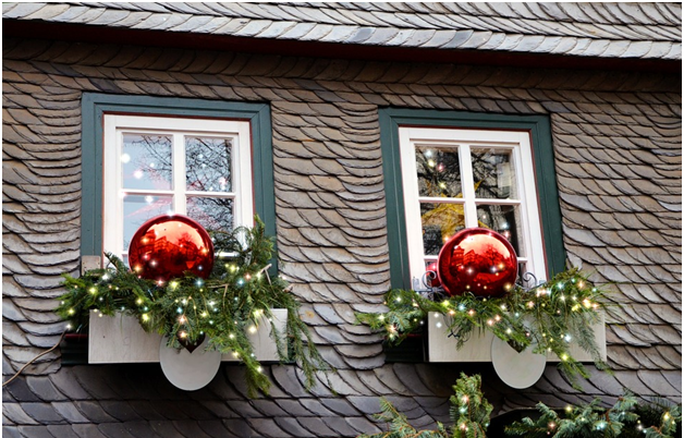 How To Decorate Your Windows At Christmas Time