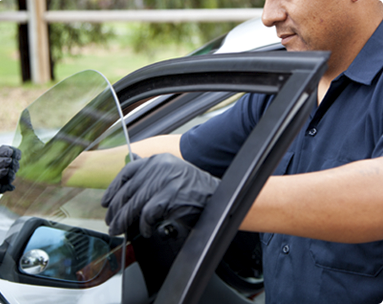 Why You Should Trust Only Experts For Windshield Repair