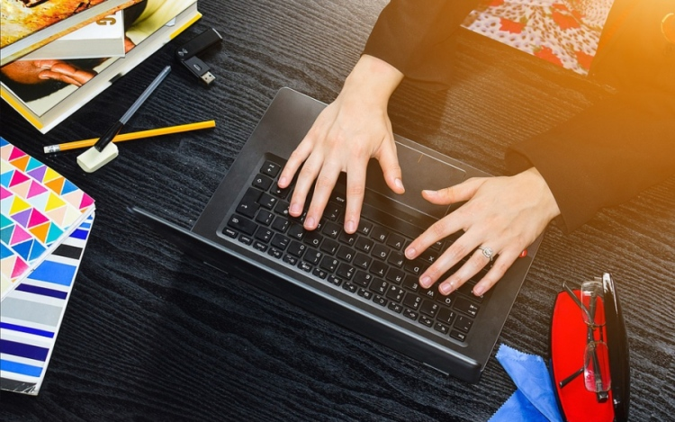 Internet Classes: A Look at Online Education