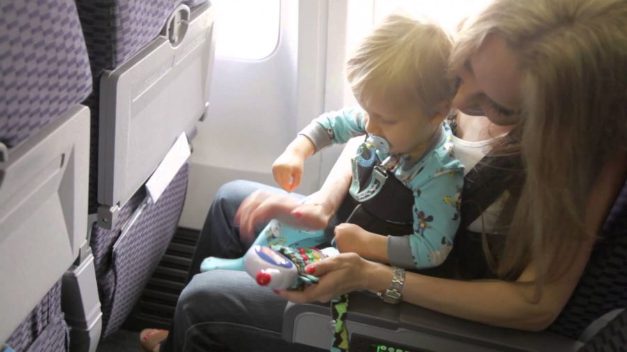 Flying With Baby or Toddler! Keep in Mind These 5 Handy Tips