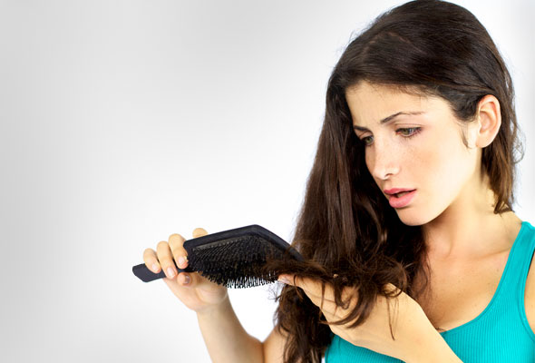 Natural Ways To Remove Dandruff Along With Use Of Cleansing Agents