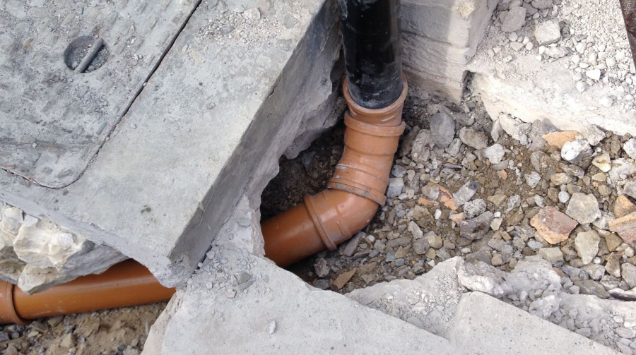 Blocked Drains – Why Hire Professionals?