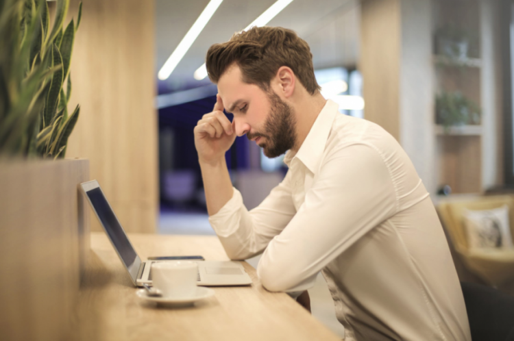 4 Ways To Help Your Employees With Winter Blues