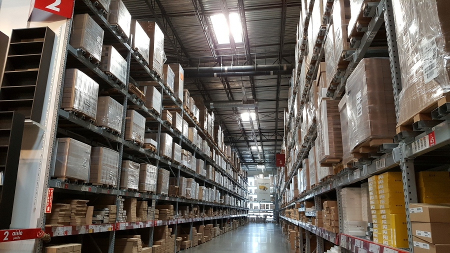 Is Warehousing a Must for Online Retailers