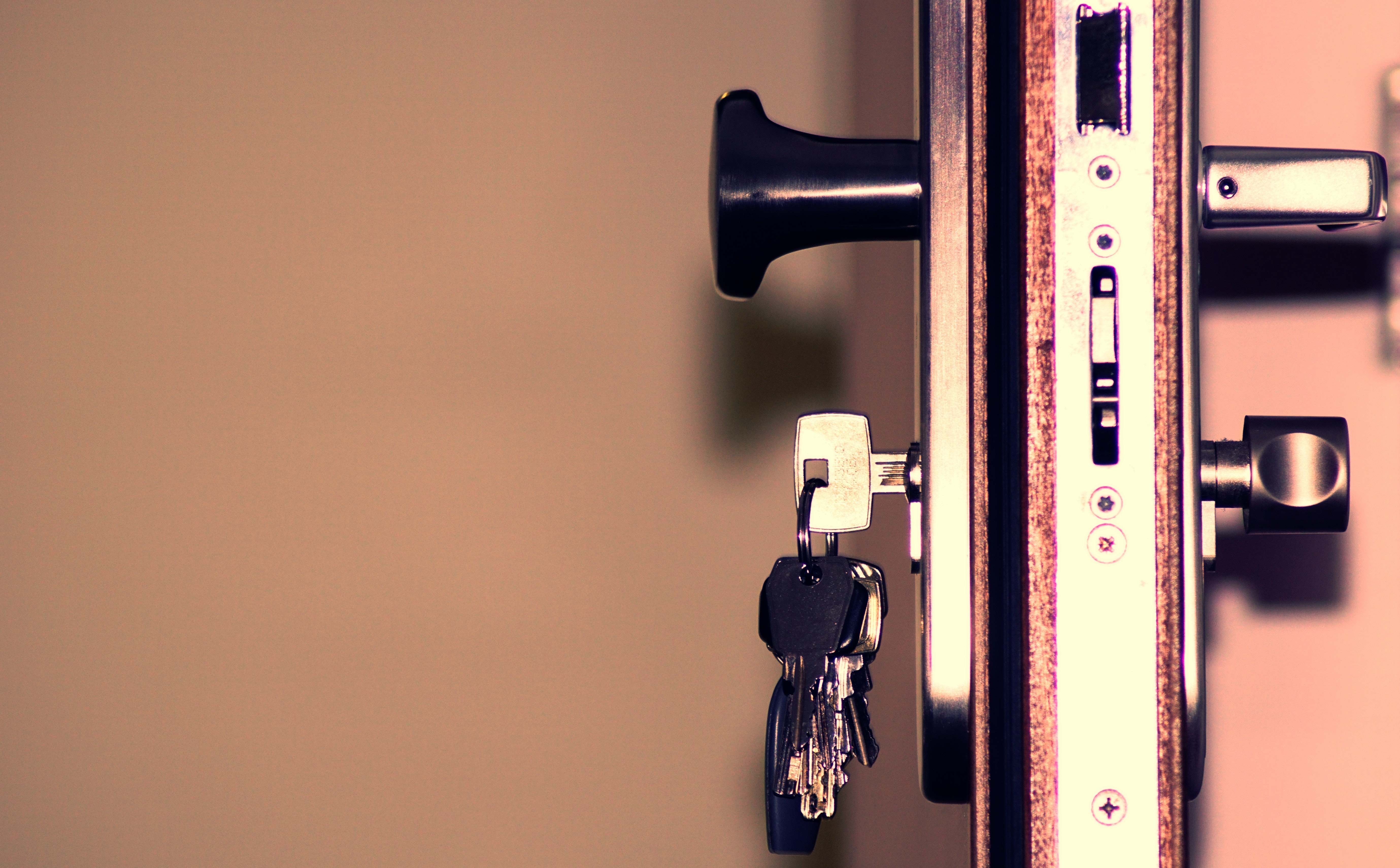 6 Reasons Why It Is A Good Idea To Have A Locksmith On Speed Dial